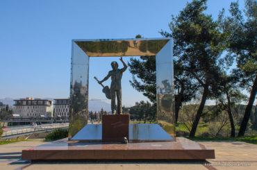 Памятник В. Высоцкому