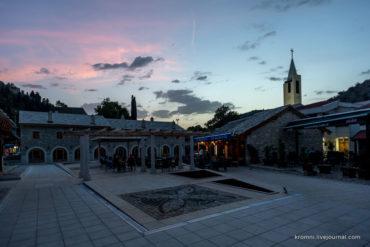 Вечерние фото маленького герцеговинского городка