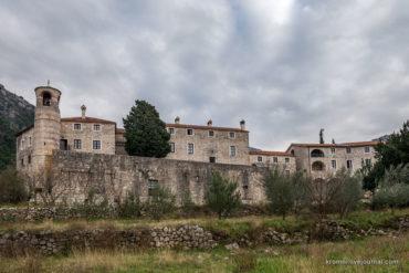 Монастырь Подострог