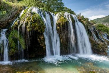 Водяная мельница и водопад