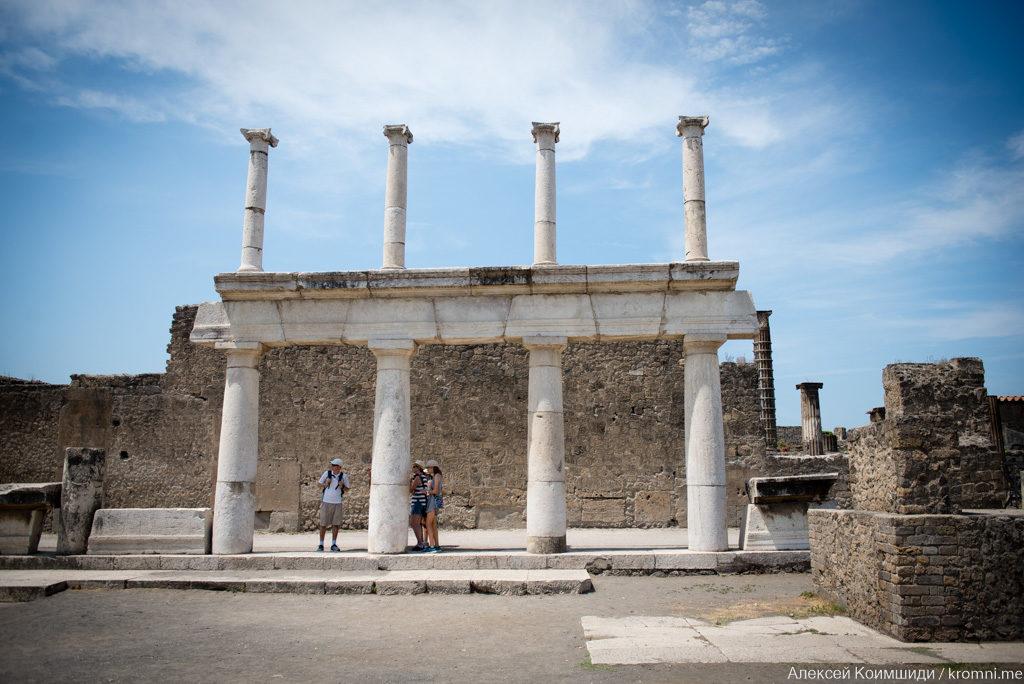 Индивидуальная экскурсия по Древним Помпеям. Форум