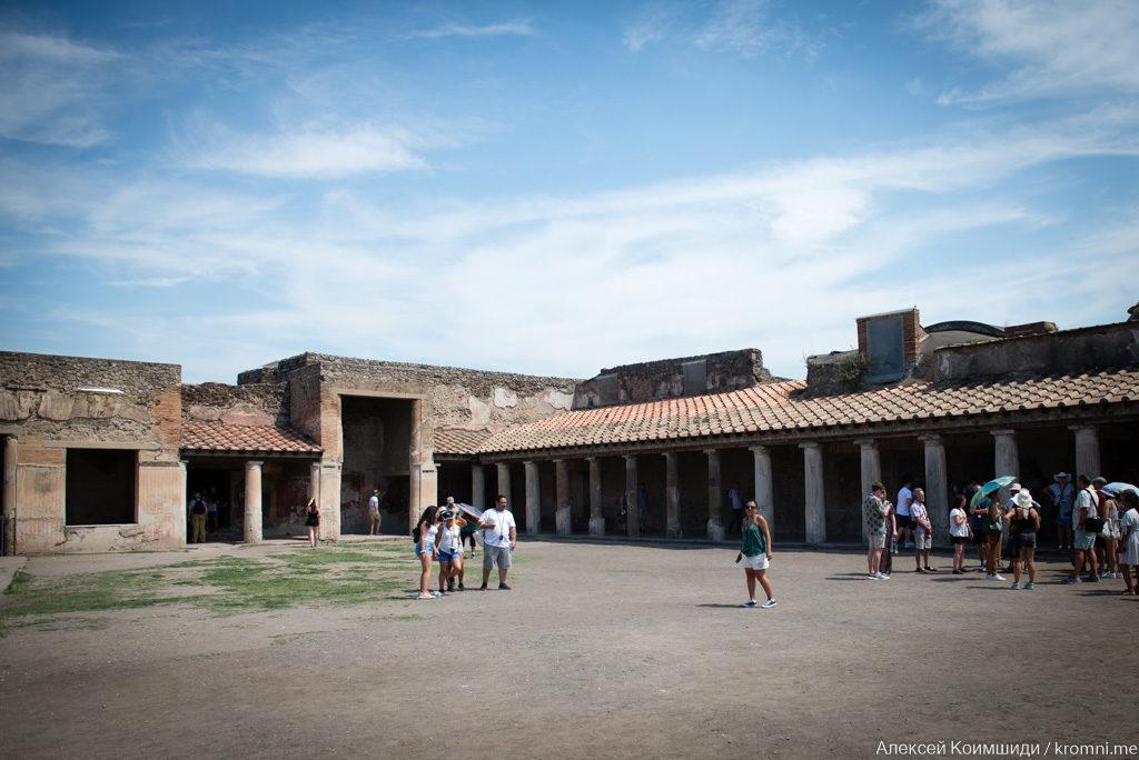 Индивидуальная экскурсия по Древним Помпеям. Перистиль Стабиевых терм