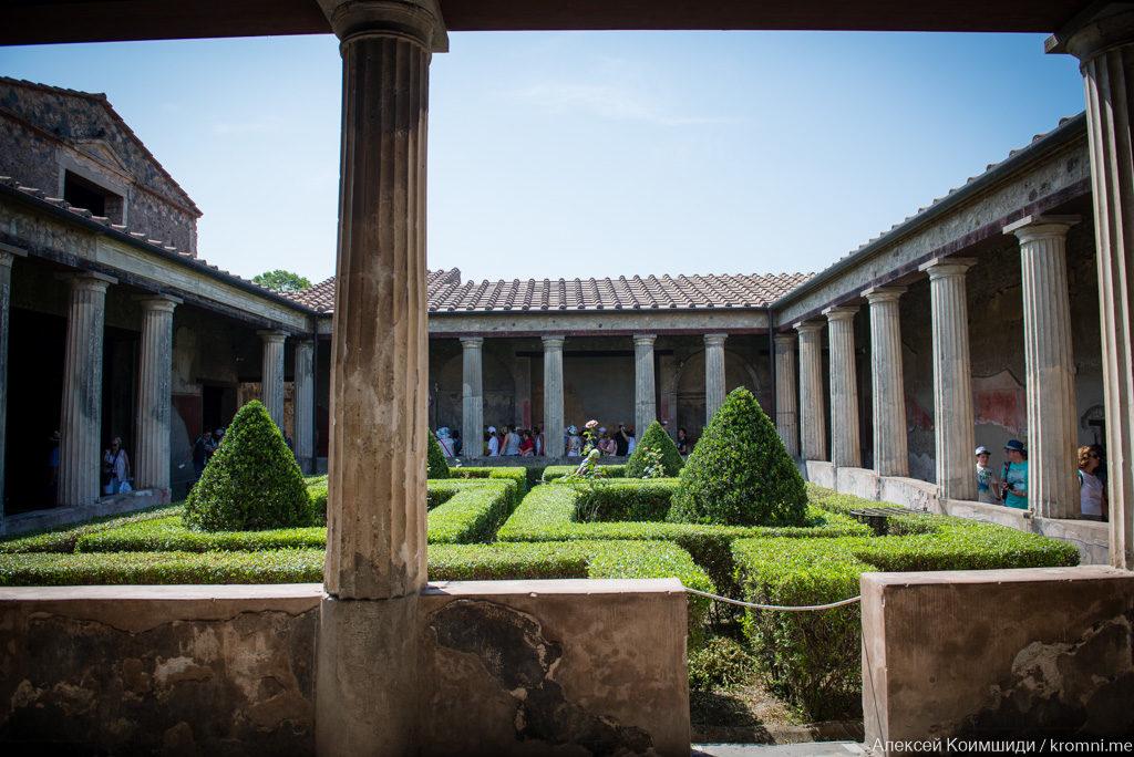 Индивидуальная экскурсия по Древним Помпеям. Частная вилла, атриум