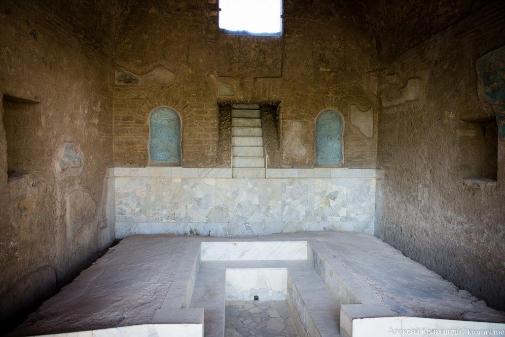 Индивидуальная экскурсия по Древним Помпеям. Триклиний