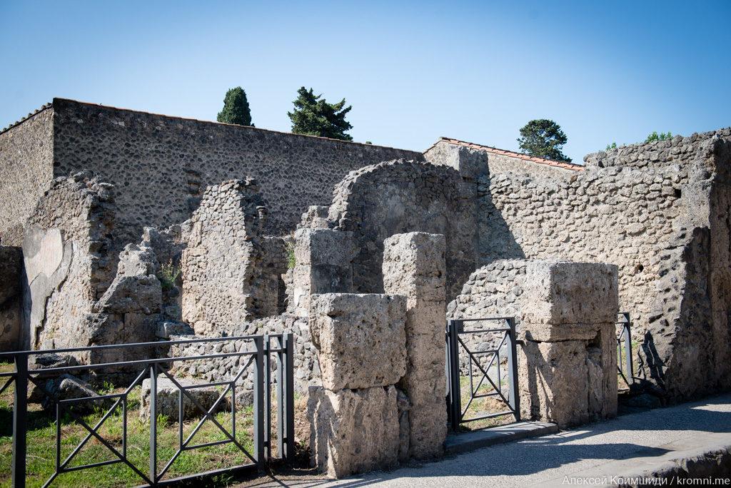 Индивидуальная экскурсия по Древним Помпеям. Таберна