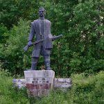Црквице. Памятник Повстанцу Кривошее