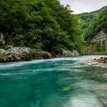В каньоне Тары у самой воды