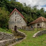 Монастырь Морача. Мельницы