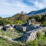 Руины монастыря Острос